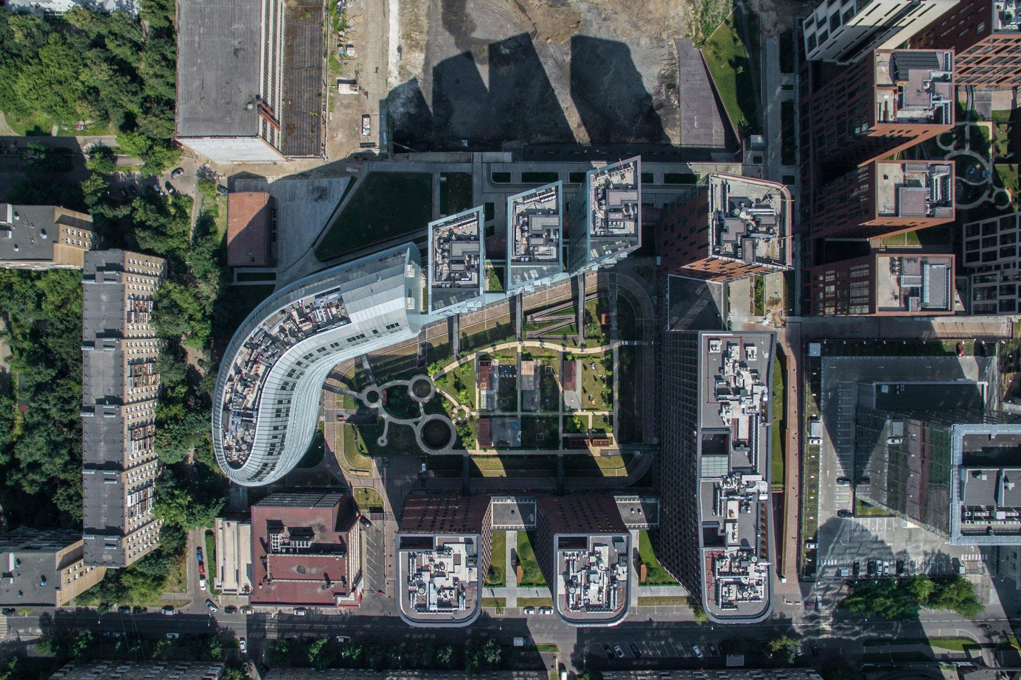этом жилой комплекс с видом сверху картинки надписью выкинуть головы